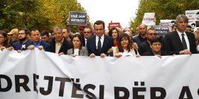 """Albin Kurti i prin """"Marshit për Drejtësi për Astrit Deharin"""""""