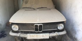 BMW-në e vitit 1972 e nxjerrë nga garazhi pas 7 vjetësh