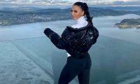 Genta Ismaili shijon dëborën, ekspozon format e bukura trupore