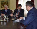 """Palmer përmend sanksione për blerjen e armëve, Daçiq e """"kërcënon"""" me tërheqjen e njohjeve të Kosovës"""