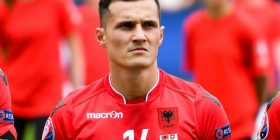 Xhaka i reagon trajnerit të Shqipërisë: Unë kurrë s'e refuzoj Kombëtaren kuqezi