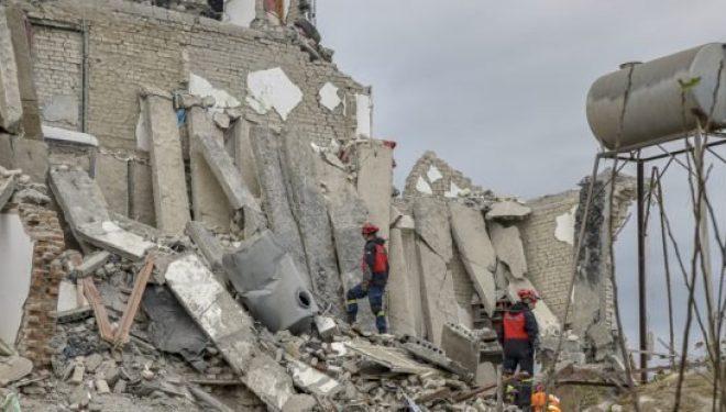 Zëri i Amerikës: Mbi 5200 të pastrehë dhe 1200 banesa të dëmtuara nga tërmeti në Shqipëri
