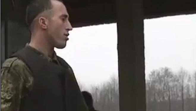 Publikohet një video e rrallë e Ramush Haradinajt në kohë lufte, vëmendje merr frizura e tij