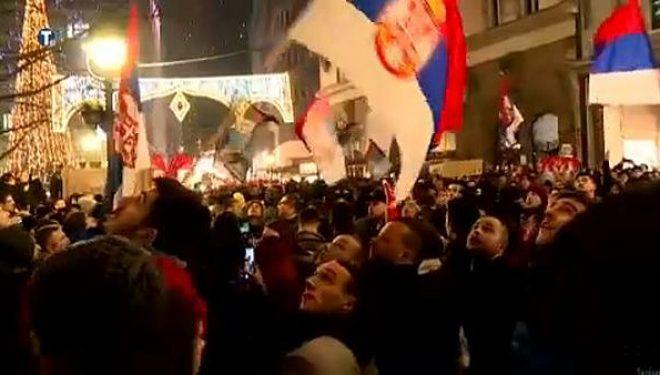 Serbët protestojnë në Mal të Zi, dëgjohen thirrje për Kosovën