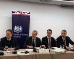 Ambasadori britanik çuditet me pasurimin e shpejtë të kosovarëve dhe me veshjet e shtrenjta