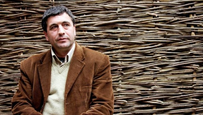 Kërkoi azil politik, largimi i Agron Tufës sjell reagime në Shqipëri