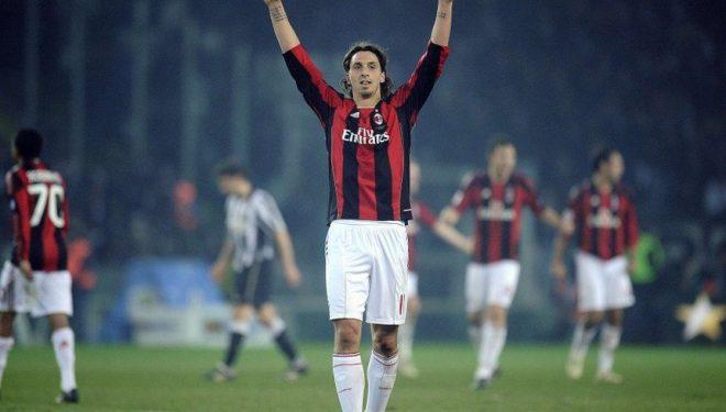 Ibrahimovic e frymëzon Milanin për ta mposhtur Sassuolon me 10 futbollistë