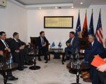 """Nënshkruhen kontratat e para të projektit """"Ndërtimi i rrugëve rajonale të Kosovës"""""""