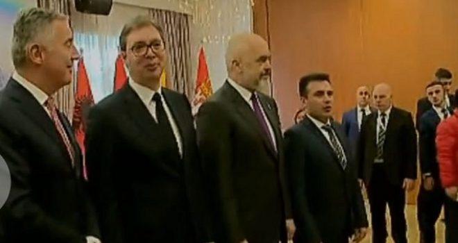 """Me dyer të mbyllura ka nisur takimi i tretë i liderëve të """"Mini-Shengeni Ballkanik"""""""