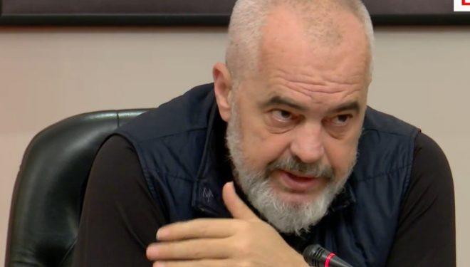 Rama tregon se kur do të hapen xhamitë e kishat në Shqipëri