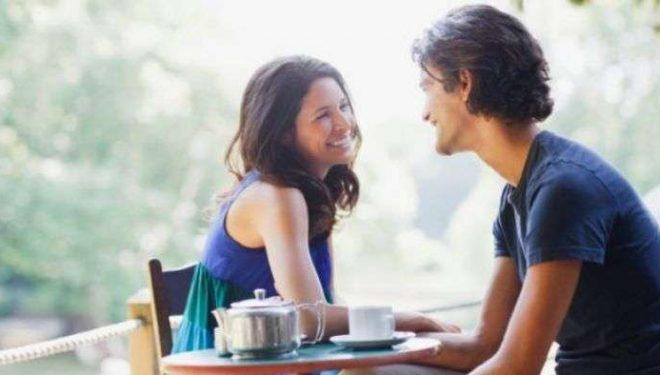 Shkencës: Qeshni me partnerin, marrëdhënia juaj bëhet më e fortë