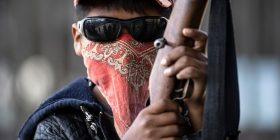 Në Meksikë  trajnimi për t'i stërvitur fëmijët që të përdorin armë, imazhet shqetësuese