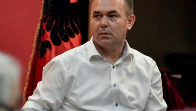 Rexhep Selimi: Po shoh e po dëgjoj burra që po i shesin trimëri virusit, se s'ka pasë çka m'ban plumbi në luftë e s'ka çka m'ban as Coronavirusi mu…