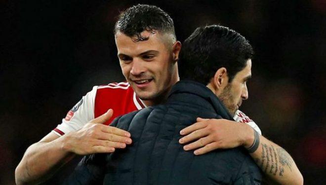 Arteta zbulon si e bindi Xhakën të qëndrojë në Arsenal