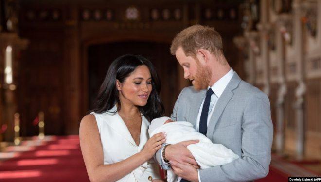 Mbretëresha Elizabeta do të diskutojë me princin Harry për tërheqjen e tij nga detyrat e familjes mbretërore