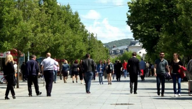 Studimi: Kosovarët s'besojnë në barazi para ligjit, politikanët i konsiderojnë të paprekshëm