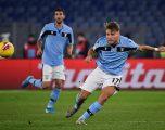 Lazio bën detyrën me Cremonesen, derbi kuqezi Strakosha-Hysaj në çerekfinale