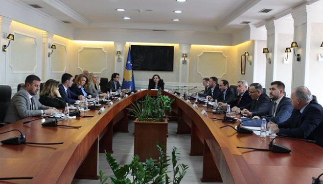 Kryetarja Osmani takoi kryetarët e komisioneve parlamentare