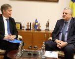 Veliu priti në takim njoftues Shefin e Misionit të EULEX Lars-Gunnar Wigemark