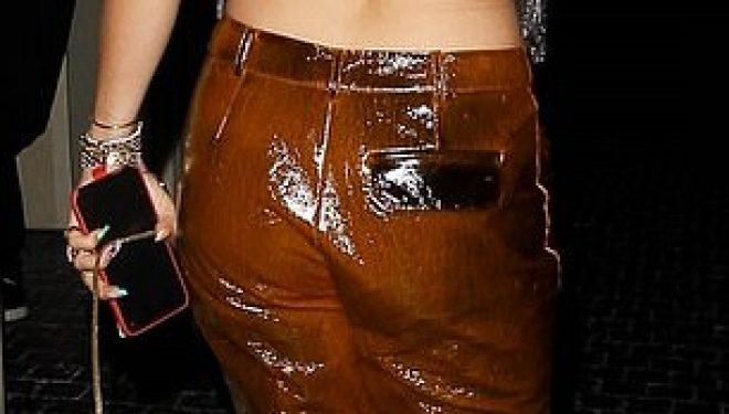 Gjatë një darke në Los Angeles, Rita Ora me veshje transparente dhe shfaqet pa reçipeta