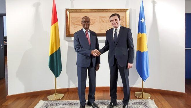 Kurti takohet me ambasadorin jo rezident të Republikës së Guineas në Berlin, Diallo