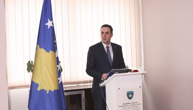 Abdixhiku 'urdhër' Komunës së Prishtinës për ta anuluar vendimin në lagjen në afërsi së Liqenit në Badovc