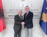 Quni ne takim me  ambasadorin Minxhozi, theksoi nevojën e thellimit të mëtejmë të bashkëpunimit dhe marrëdhënieve vëllazërore mes dy shteteve