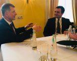 Moore pas takimit me Kurtin: Kosova s'ka mik më të madh se Mbretërinë e Bashkuar