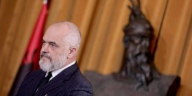 Një Kryeministër që i etikon fashistë kritikët e Goranit, është kërcënim real për vendin