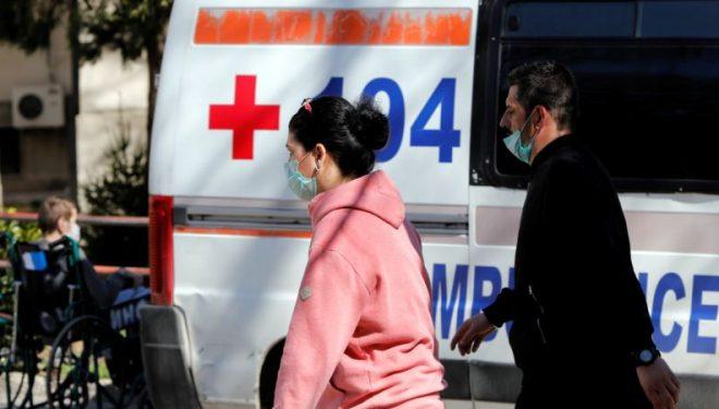 Dy viktima dhe 44 raste të reja me koronavirus në Maqedoninë e Veriut