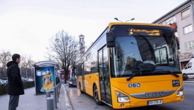 Dështon transporti ndërurban, transportuesit: S'kemi llogari të punojnë me pak udhëtarë
