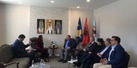 Dumoshi e Ahmeti bisedojnë për Shtëpinë e Operës dhe Baletit
