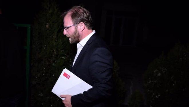 Abazi e bën fajtor Thaçin për gjendjen e krijuar me partnerin e koalicionit, LDK-në
