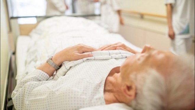Përçmim ndaj medias/ Gazetari i 'Telegraph' thotë se 'eliminimi i të moshuarve nga koronavirusi rrit ekonominë'