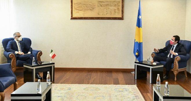 Kryeministri në detyrë Kurti priti në takim ambasadorin e Italisë në Kosovë
