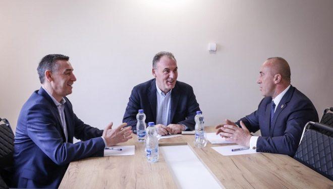 Haradinaj në takim me Veselin dhe Limajn: Kosova ka nevojë për unitet të brendshëm politik