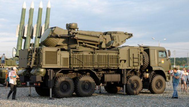 SHBA paralajmëron Serbinë: Ndalni blerjen e armëve ruse ose do të ketë sanksione