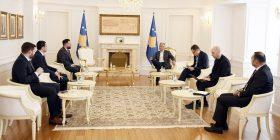 Presidenti Thaçi takoi kryetarët e odave ekonomike