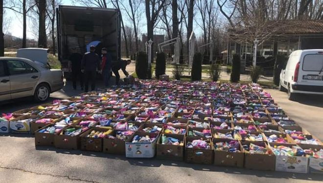 Me iniciativë të Veselit, PDK shpërndau sot qindra pako ushqimore në veri të Kosovës