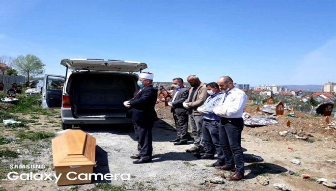 Në Gjilan u varros sot Amir Veliu, i cili vdiq në burgun e Dubravës në rrethana të pa sqaruara