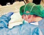 """""""Simbol i luftës ndaj CoVid-19""""/ Përloti botën me foton e saj, shërohet infermierja që u bë virale në rrjet"""