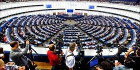 Europarlamentarët mirëpresin heqjen e taksës, presin nga BE-ja heqjen e vizave për Kosovën