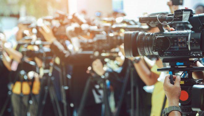 Greqia kalon ligjin, 32 milion euro ndihmë për mediat/ Kush është në shtëpi prej 1 marsit, pagë 800 euro
