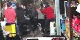 """""""Ose vendosni maska ose do të njoftoj policinë"""", plas grushti në supermarket"""