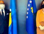 Vlora Çitaku, nënshkruan heqjen e vizave për diplomatët kosovarë, vazhdon punën në Uashington