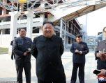 Kim Jong Un i qeshur dhe pa maskë, shfaqet pas 21 ditësh mungesë