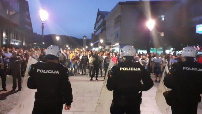 U arrestuan priftërinjët, serbët nxisin trazira në Mal të Zi