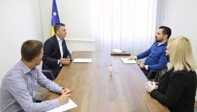 Veseli takon gastronomët: Kuvendi ta miratojë pakon e PDK-së për t'i ndihmuar punëtorët e këtij sektori