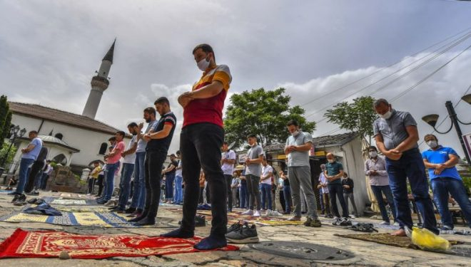 Maqedonia e Veriut shqyrton mundësinë e izolimit gjatë Bajramit