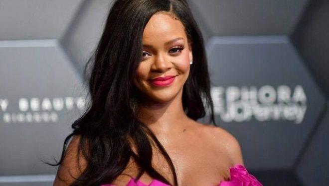 Rihanna së shpejti sjell koleksionin e ri të syzeve